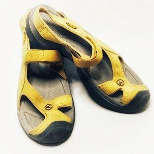Keen Closed Toe Yellow Sandal Women 9.5 Leather